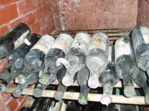 vintage_wine_in_the_cellars_of_cojuna_winery